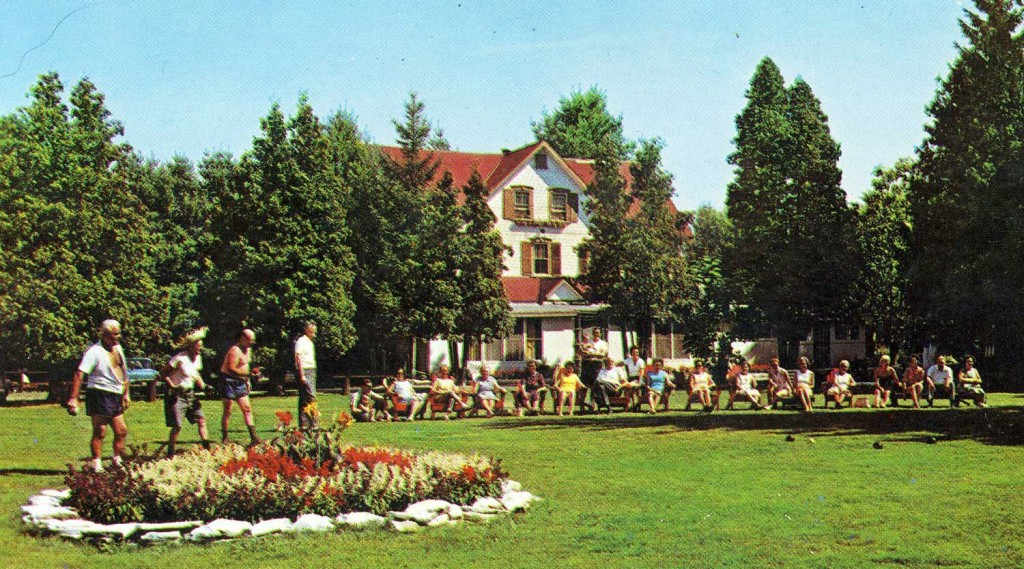 Lake-HouseGreen-Meadows-1960
