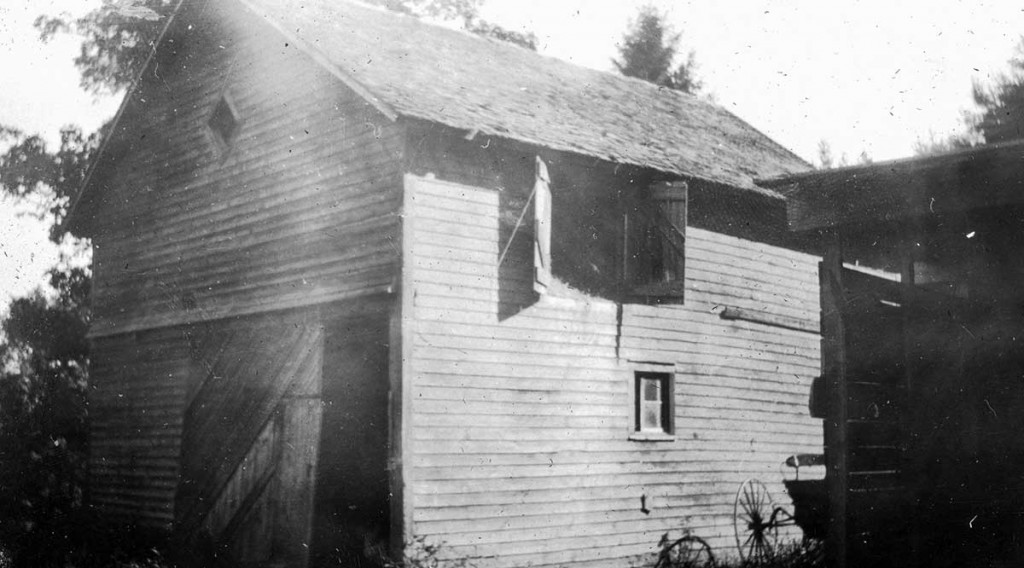 The Austin barn in the early 1900s.