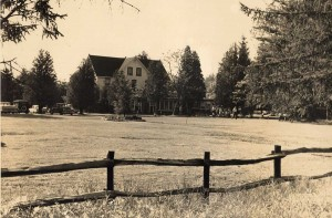 front-lawn-Main-House